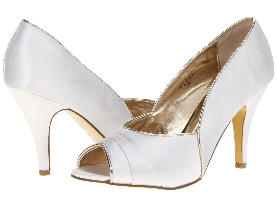 Bouquets - Stella (Ivory/Light Gold Satin) Women's Bridal Shoes