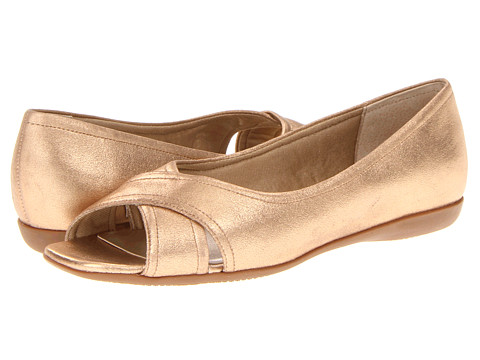 Trotters - Savannah (Soft Gold) Women's Flat Shoes
