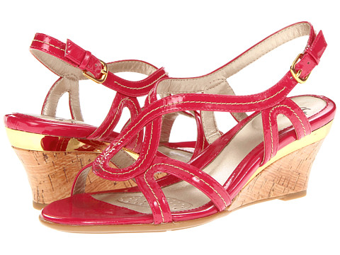 Sofft - Paharita (Magenta Patent Leather) Women's Wedge Shoes