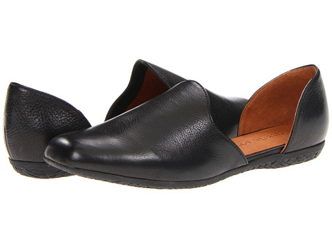 Gentle Souls - Etsu (Black) Women's Slip on Shoes