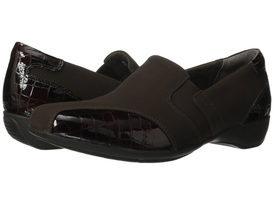 Clarks - Noreen Will (Brown Fabric) Women's Slip on Shoes