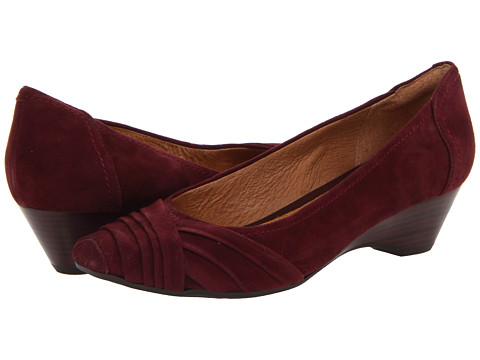 Clarks - Ryla King (Burgundy Suede) Women