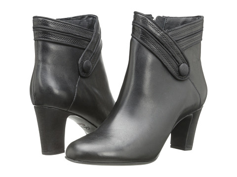 Clarks - Tamryn Season (Black Leather) Women's Boots