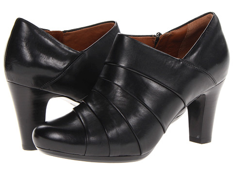 Clarks - Society Gown II (Black Leather) High Heels