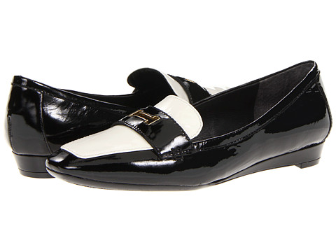Isaac Mizrahi New York - Olivia (Black/Ivory Patent) Women's Flat Shoes