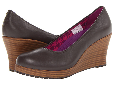 Crocs - A-Leigh Closed Toe Wedge (Espresso/Walnut) Women's Wedge Shoes