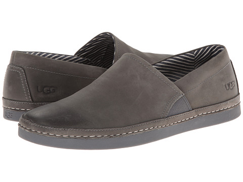 UGG - Reefton (Metal) Men's Slip on Shoes