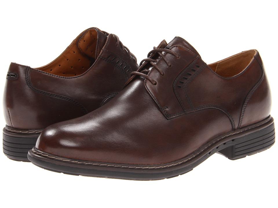 Clarks - Un.Walk (Brown Leather) Men's Shoes