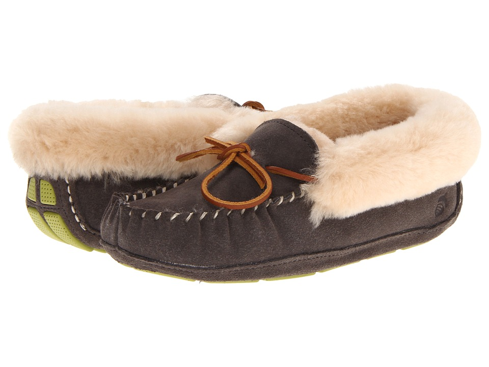 Acorn - Sheepskin Moxie Moc (Stone) Women's Shoes