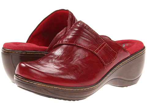 SoftWalk - Mason (Dark Red Vintage Waxy Wrinkled Leather) Women's Clog Shoes