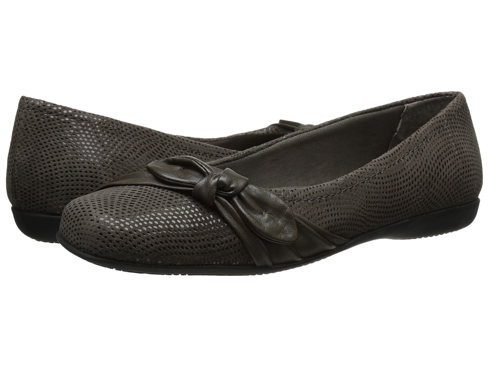 Trotters - Suki (Dark Grey Mini Dot Patent Suede Leather) Women