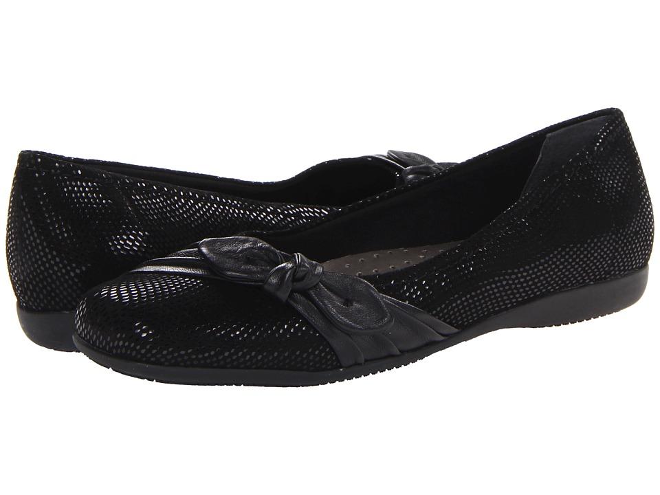 Trotters - Suki (Black Mini Dot Patent Suede Leather) Women