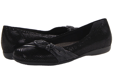 Trotters - Suki (Black Mini Dot Patent Suede Leather) Women's Shoes