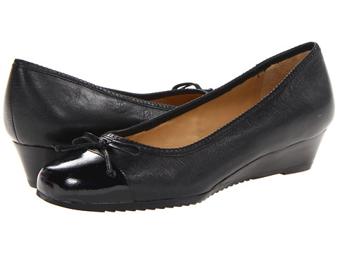 Trotters - Lilly (Black) Women's 1-2 inch heel Shoes
