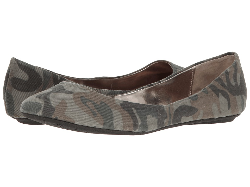 Steve Madden - P-Heaven (Camo) Women's Flat Shoes