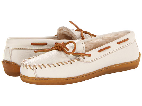 Minnetonka - Lined Leather Boat Moc (Off White) Women's Moccasin Shoes