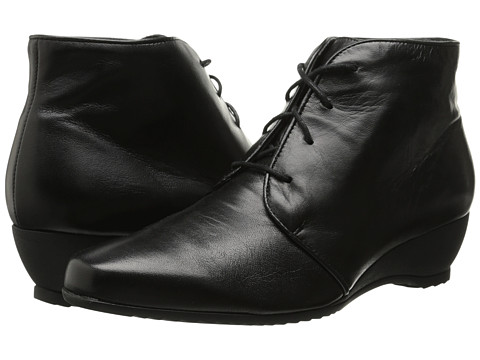 Munro American - Kara (Black Leather) Women