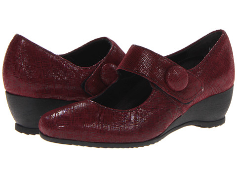 Munro American - Jenna (Deep Wine Crosshatch) Women's Shoes