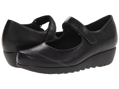 Munro American - Alpine (Black Leather) Women