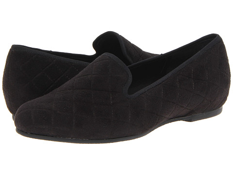 Munro American - Jerrie (Black Quilted) Women's Slip on Shoes