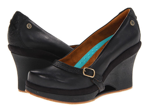 MOZO - Fresco (Black) Women's Wedge Shoes