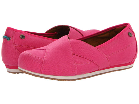 MOZO - Sport Flat Canvas (Beet) Women's Flat Shoes