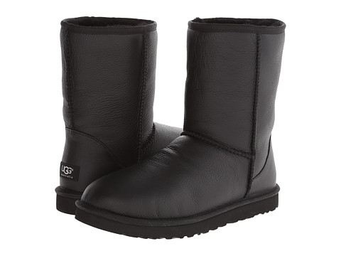 UGG - Classic Short Leather (Black Leather/Sheepskin) Men's Boots