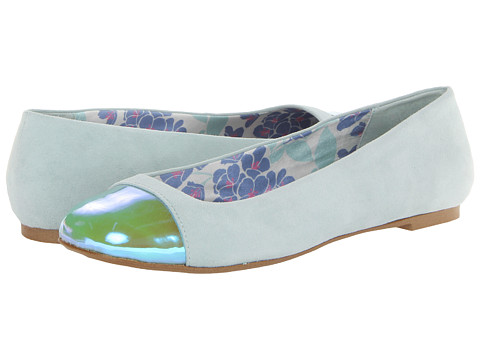 Vogue - Andy Cupcake (Mint) Women's Slip on Shoes