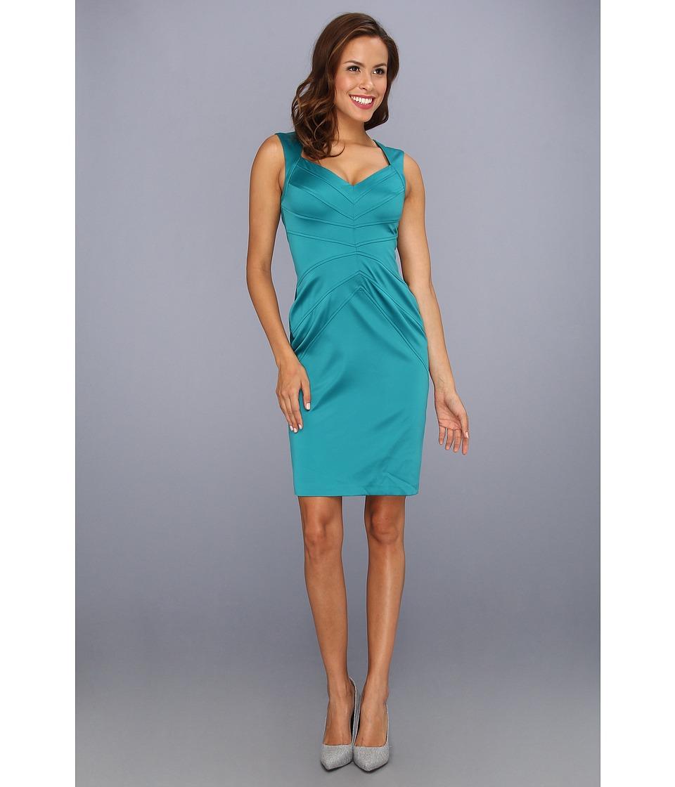 Jessica Simpson - Sleeveless Sunburst Pintuck Dress (Everglade) Women's Dress