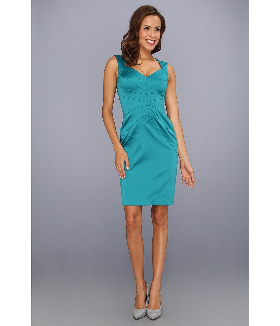 Jessica Simpson Sleeveless Sunburst Pintuck Dress (Everglade) Women