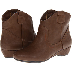 Fergalicious Badge (Brown PU) Footwear