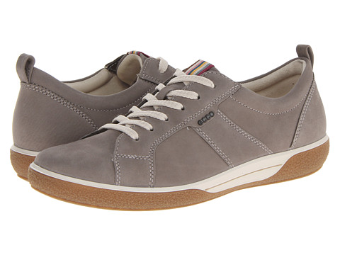 ECCO - Chase Tie (Warm Grey Fuego Nubuck) Women's Lace up casual Shoes