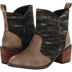 MUK LUKS Chloe (Brown) Footwear