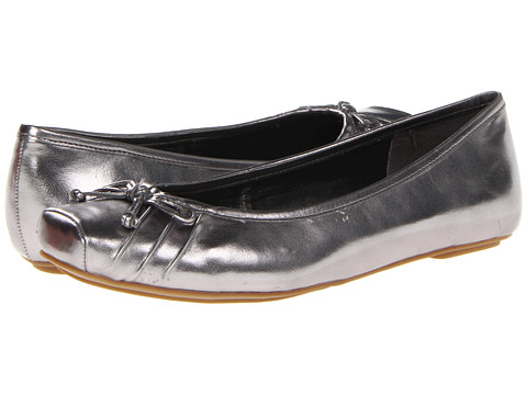 Jessica Simpson - Leve (Anthracite) Women's Flat Shoes