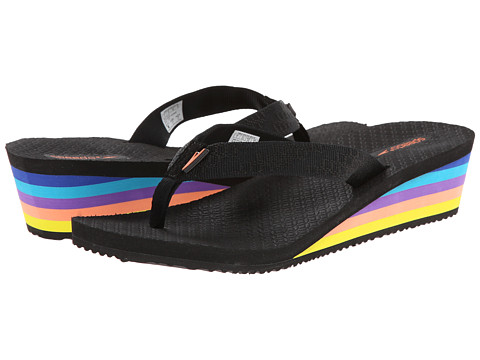 Speedo - Mantra Wedge (Black/Deep Lavender) Women's Sandals