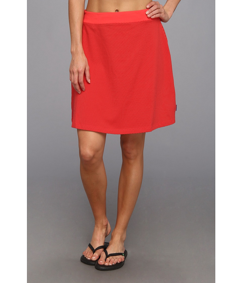 Mountain Hardwear Tonga Skirt (Red Hibiscus) Women