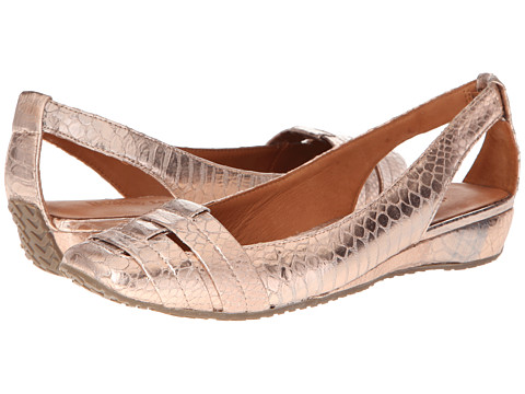 Gentle Souls - It's So Fun (Pale Pink Metallic Python) Women's Flat Shoes