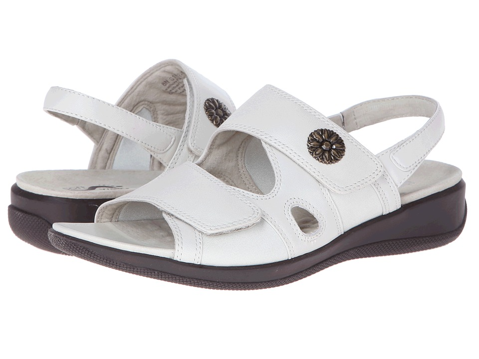 SoftWalk - Tanglewood (Off White) Women's Shoes