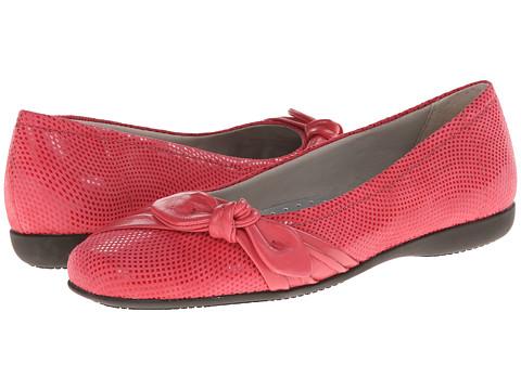 Trotters - Suki (Fuchsia Mini Dot Patent Suede Leather) Women's Shoes