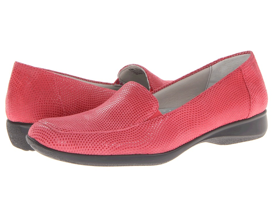 Trotters Jenn Mini Dots (Fuchsia Mini Dot Patent Suede Leather) Women