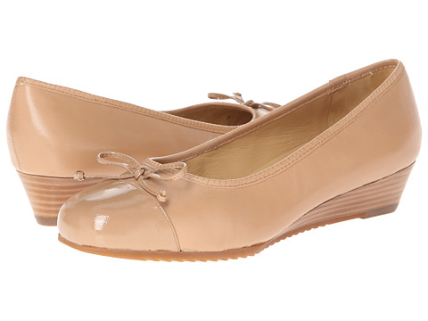Trotters - Lilly (Nude Glazed Kid Leather/Patent) Women's 1-2 inch heel Shoes