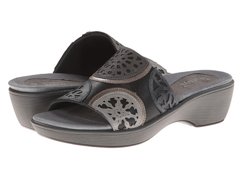 Naot Footwear - Vintage (Shiny Black Leather/Caviar Leather/Pewter Leather) Women
