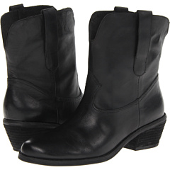GUESS Daisie (Black Leather) Footwear