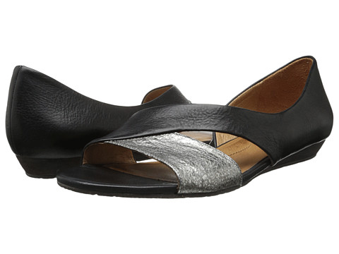 Naya - Heaton (Black Leather/Silver Metallic) Women's Flat Shoes