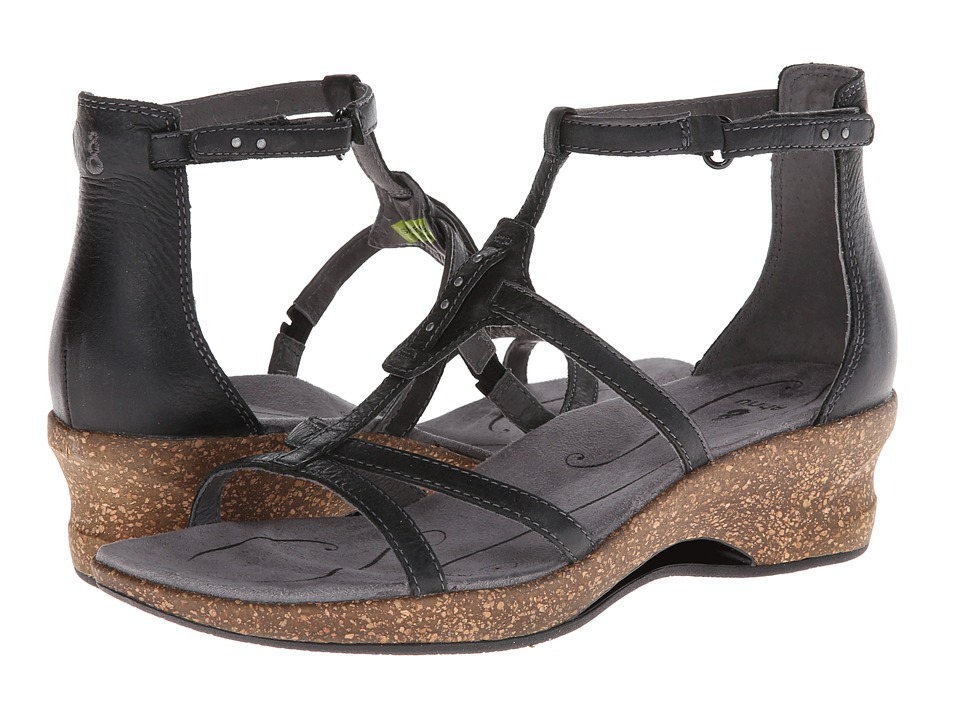 Ahnu - Alta (Black) Women's Shoes