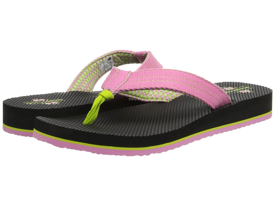 New Balance - Madaket Thong (Black/Pink) Women's Shoes
