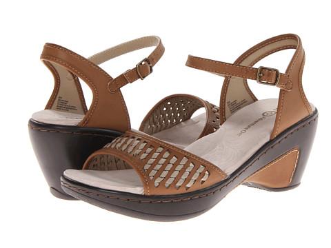 J-41 - Melbourne (Camel) Women's Shoes