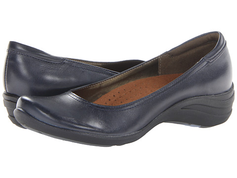 Hush Puppies - Alter Pump (Navy Leather) Women