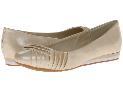 Soft Style - Corrie (Bone Cloud Patent) Women