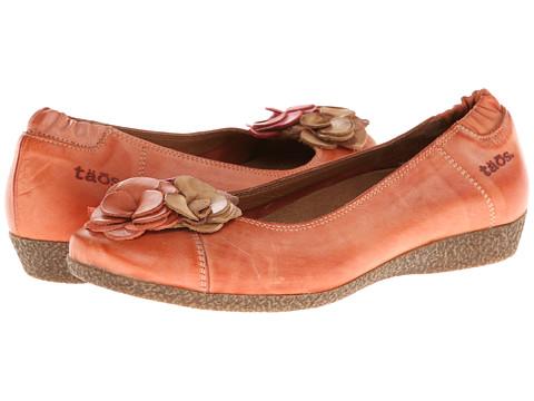 taos Footwear - Untopia (Burnt Orange) Women's Flat Shoes
